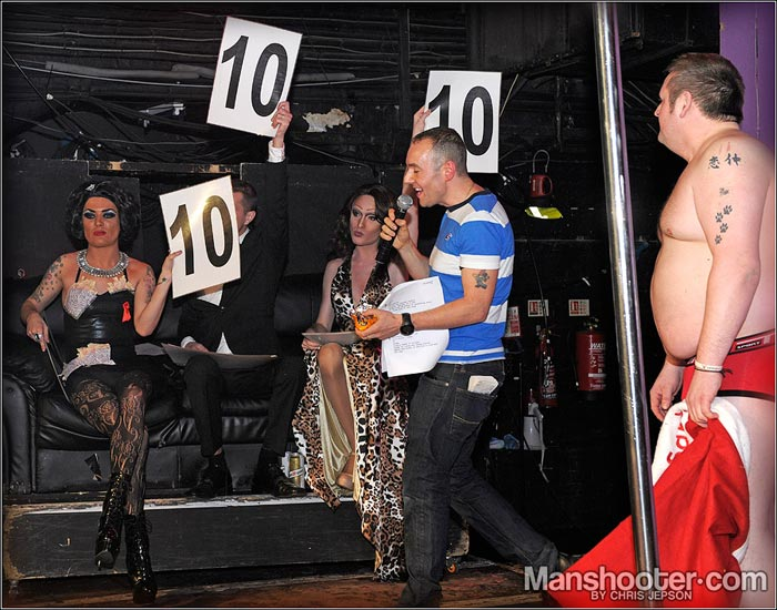 Balada gay em Londres: PornIdol_final_CJP8933-manshooter