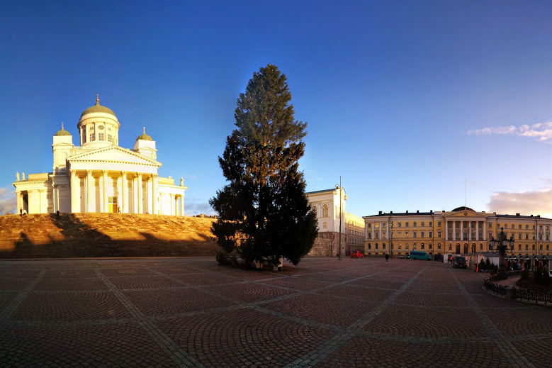 Casamento gay: Senaatintori, a Catedral de Helsinque, na Finlândia, onde começa a Parada Gay - Foto: Cassiano Mecchi (instagram.com/cassianomecchi)