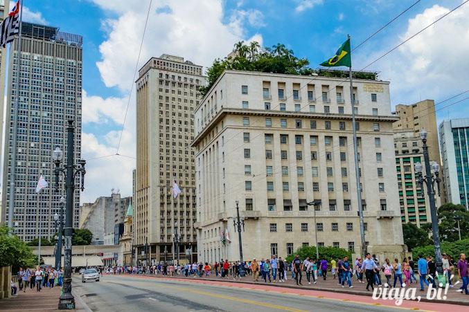 Edifício Matarazzo, ou o prédio da Prefeitura de São Paulo, abriga a exposição até o dia 9 de abril