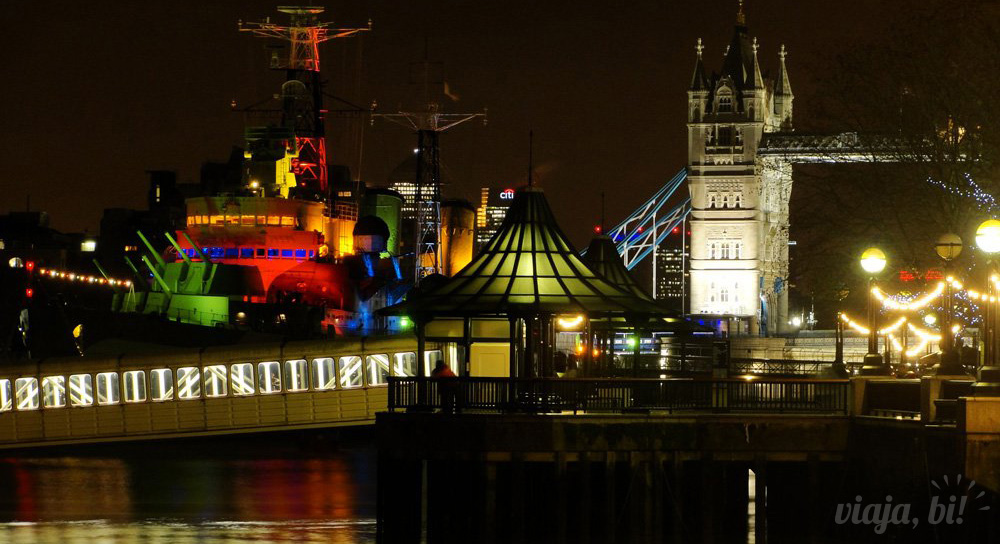 Tower Bridge, em Londres