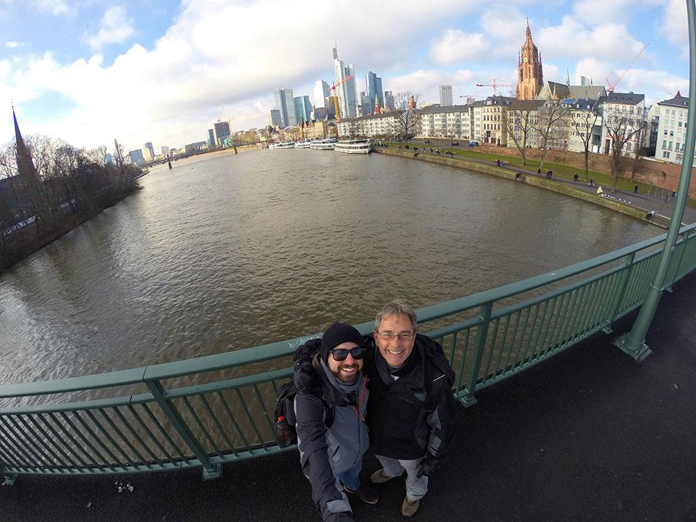 Felicidade do primeiro dia do mochilão Dando a Volta na Tcheca