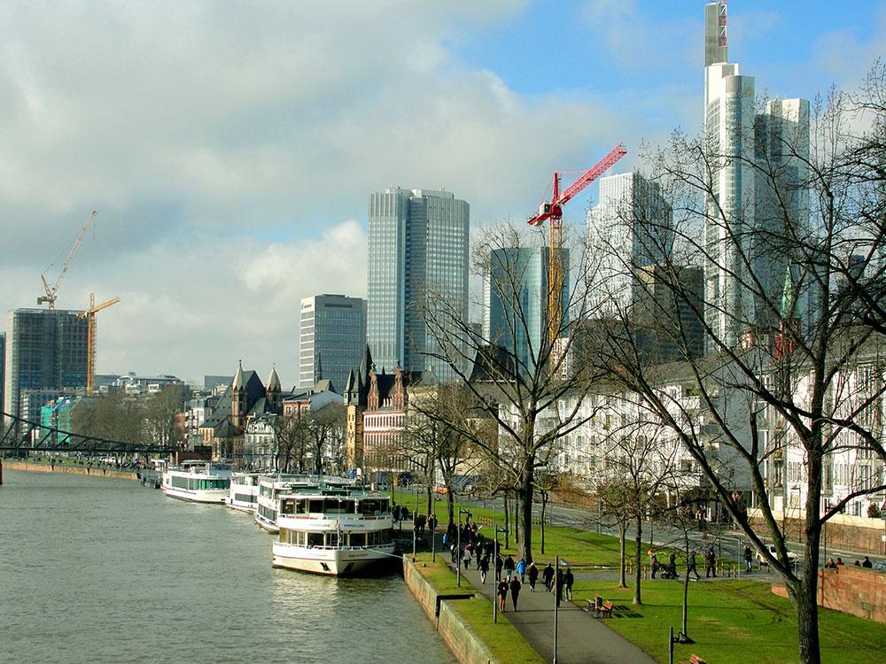 Em Frankfurt ficam alguns dos prédios mais altos da Europa