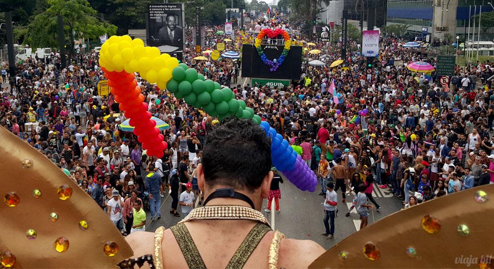 Aprenda um novo idioma para arrasar na próxima Parada LGBT