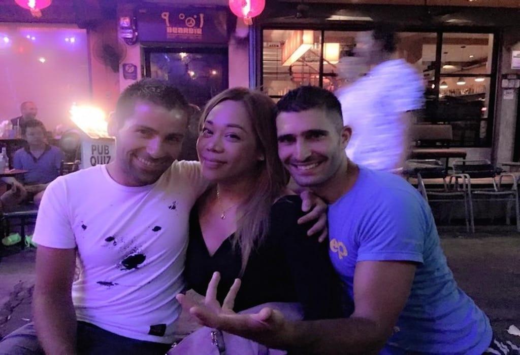 Nomadic Boys e Regina, em Bangkok, na Tailândia - 4 motivos pra casais gays viajarem pra Ásia