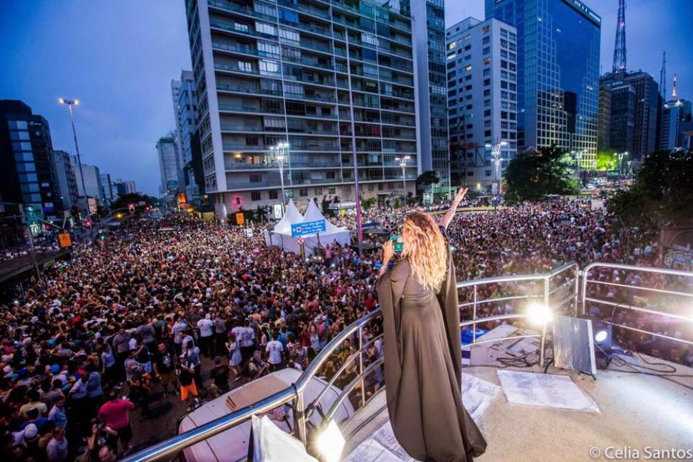 Daniela Mercury comanda a Pipoca da Rainha no Carnaval gay de SP - Foto: Celia Santos