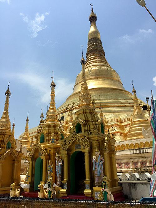 Shwedagon Pagoda, em Yangon, Myanmar