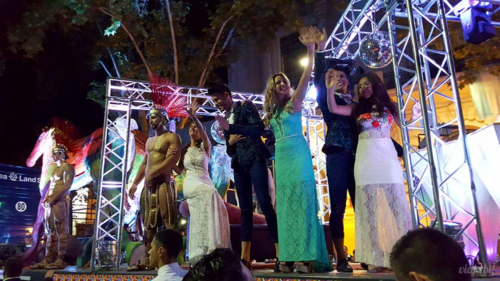 Carro da Vendimia Gay no desfile Via de las Reinas