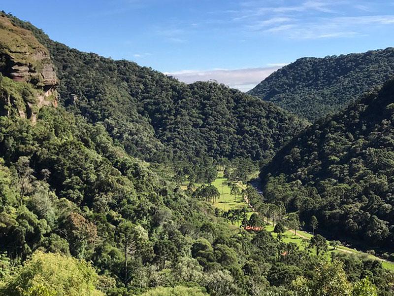 Ecoturismo: Vale do Rio Urubici, que fica na Pousada Cantos e Encantos, em Urubici (SC) - Foto: Mário Bonetti
