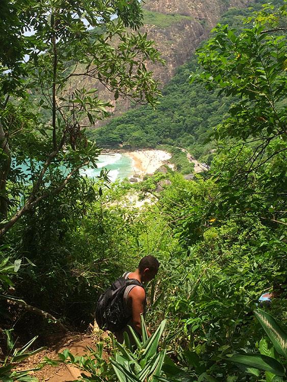 A Prainha vista da trilha até o Mirante do Caeté - Foto: Jeff Slaid