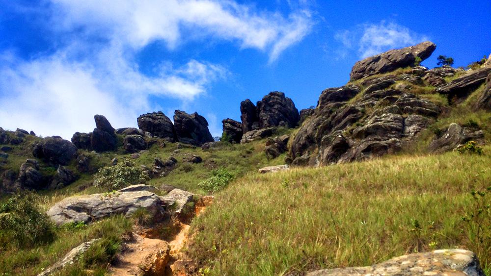 O cume do Pico do Itacolomi tá logo ali