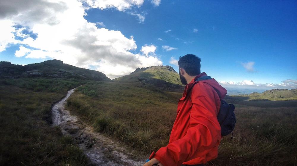 Trilha ao Pico do Itacolomi