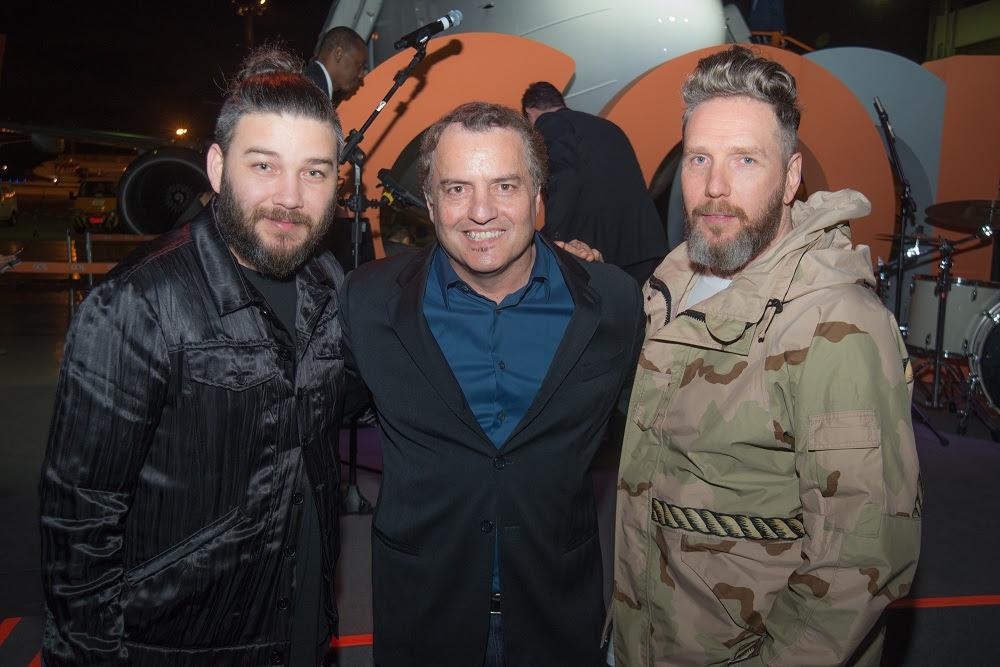 Fábio Souza (designer), Paulo Lima (fundador da Editora Trip) e Alexandre Herchcovitch (estilista) - Foto: Julio Rua