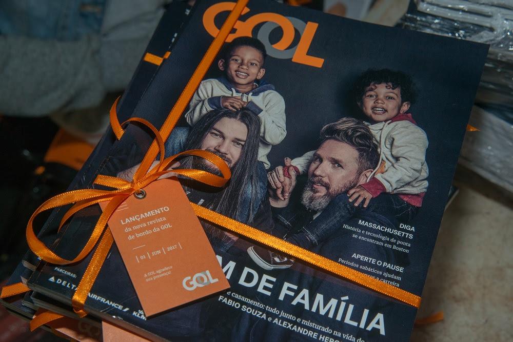 GOL renova revista de bordo com Alexandre Herchcovitch e seu marido na capa - Foto: Julio Rua