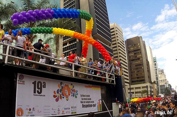 Trio de abertura da 19ª Parada do Orgulho LGBT de São Paulo, em 2015