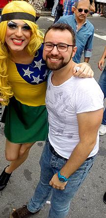 Roxy Yours e Rafa na 19ª Parada do Orgulho LGBT de São Paulo, em 2015