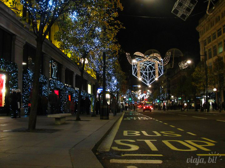 Oxford Street, uma das principais ruas de compras de Londres