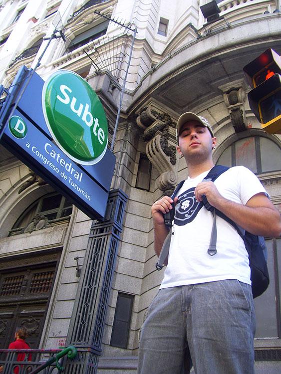 Argentina Gay: Entrada do Subte (metrô), em Buenos Aires - Foto: Marcos Razuk