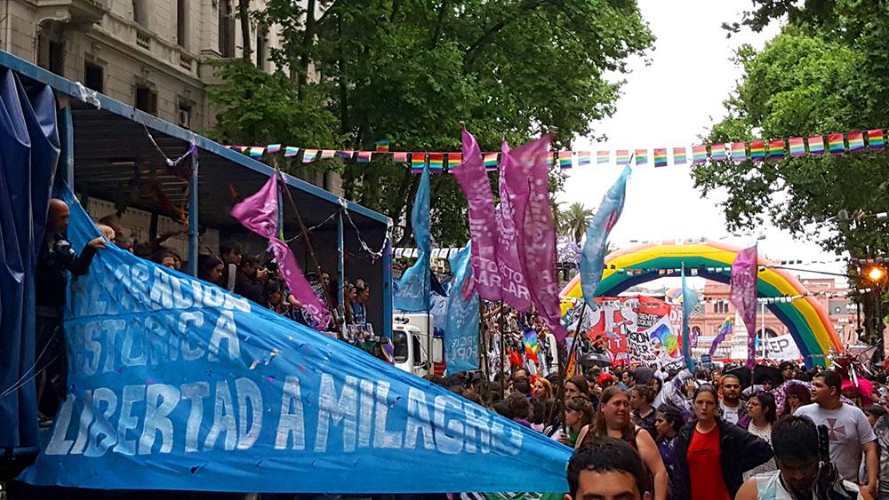 Marcha del Orgullo também é protesto