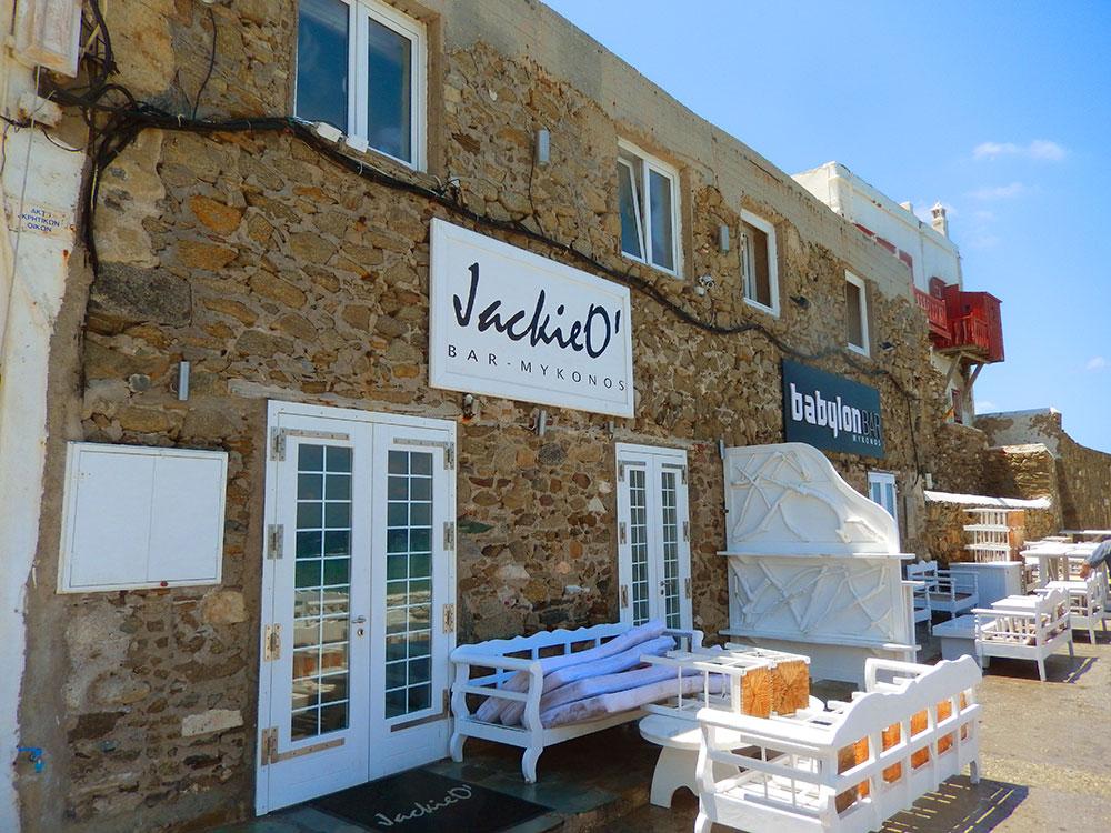 Jackie O' Mykonos e Babylon Bar Mykonos, bares frequentados pelo público gay na ilha mais gay da Grécia