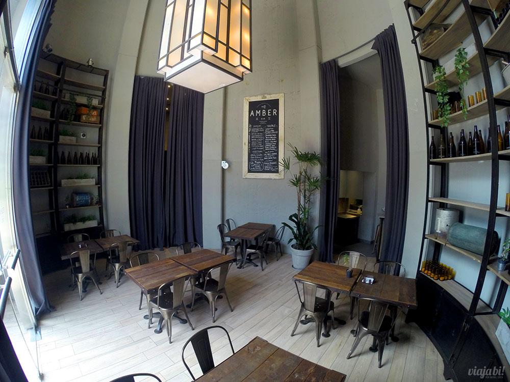 Amber Bar, no térreo do Puerto Norte Design Hotel, em Rosário, na Argentina
