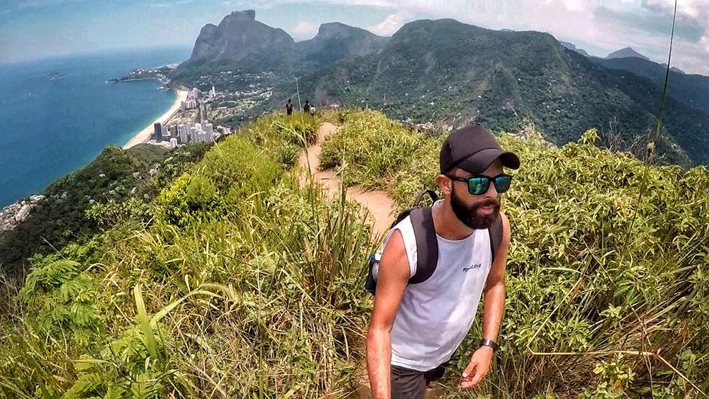 Quase lá! Trilha Morro Dois Irmãos, Rio de Janeiro - Foto: Jeff Slaid