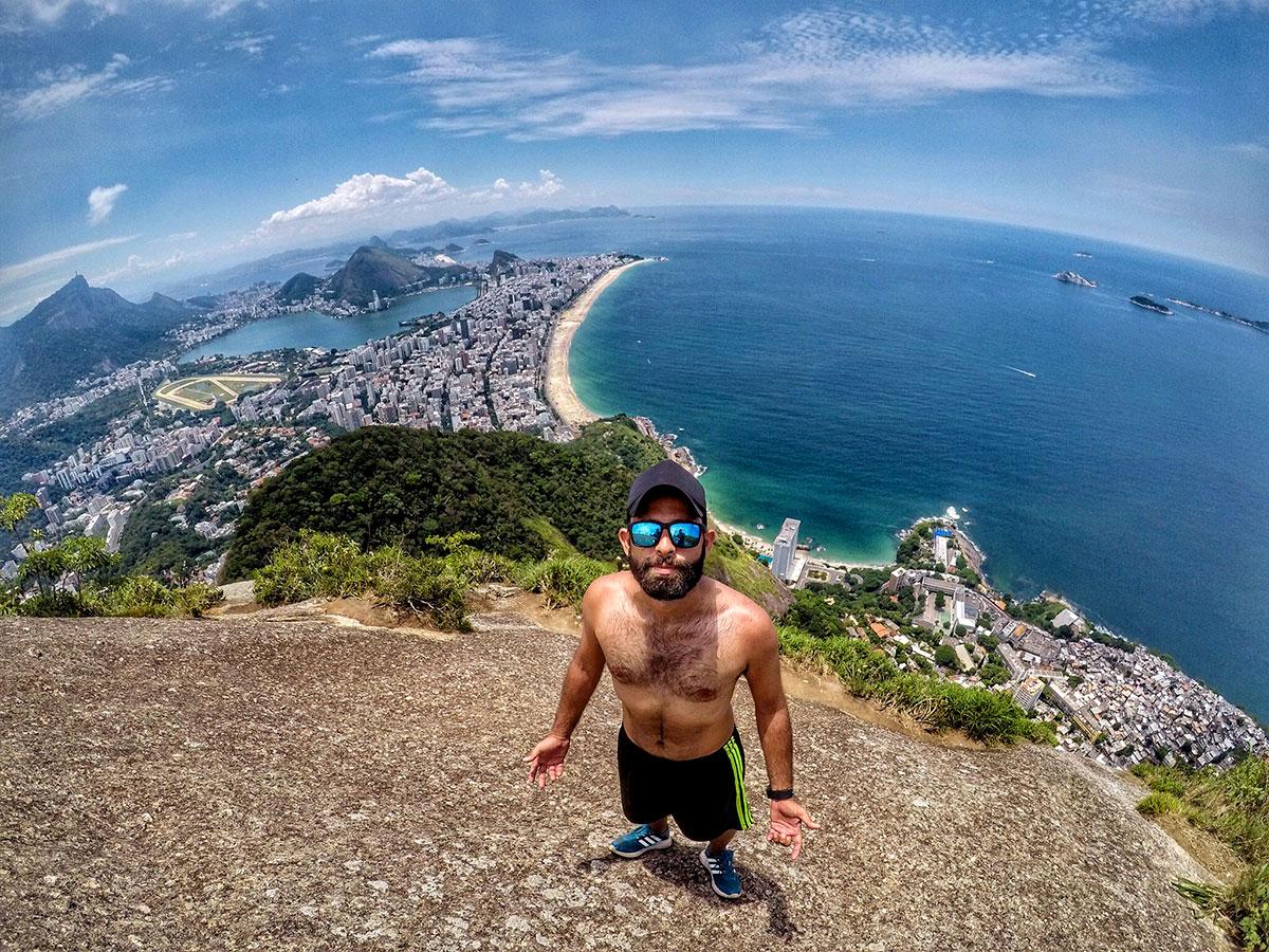 Brasil gay friendly: Sensualizando no Morro Dois Irmãos, Rio de Janeiro - Foto: Jeff Slaid