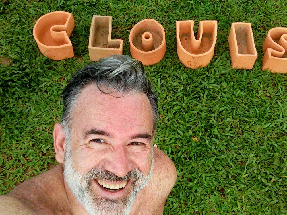 Turismo em Metrópole: Brincando de montar letrinhas em Inhotim - Foto: Clovis Casemiro