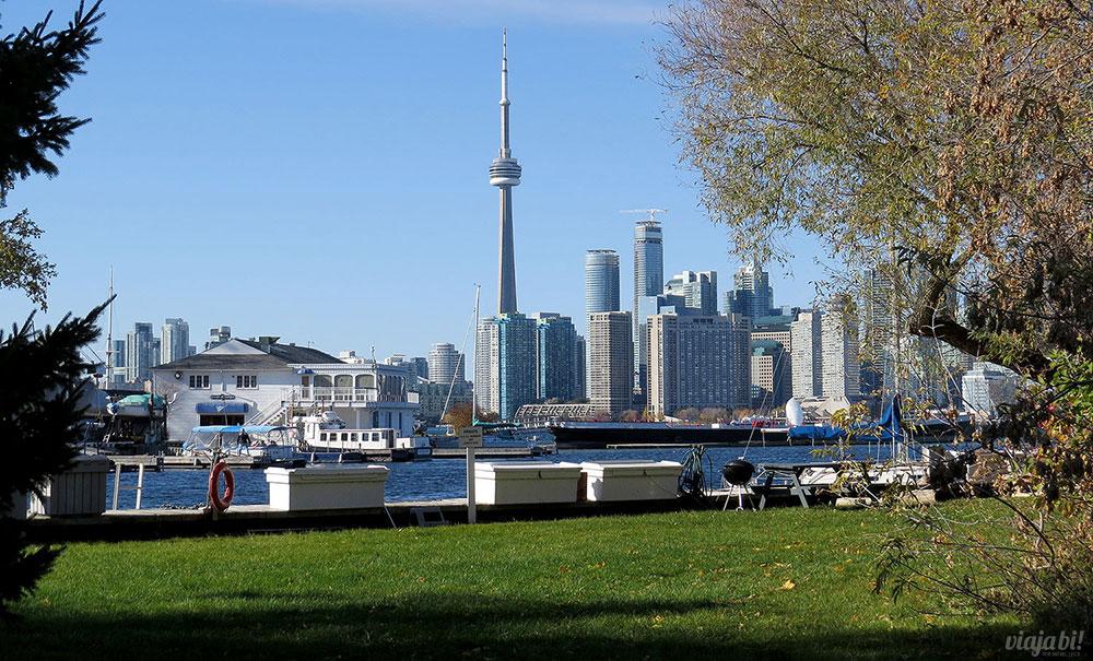 Ir sem visto pro Canadá: mais fácil de ver a CN Tower - Foto: Nathalia Leick
