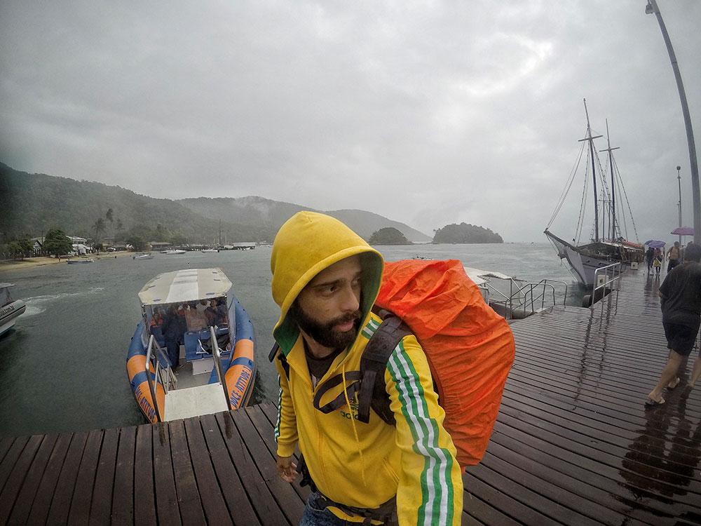Aventura em Ilha Grande: Chegando na ilha com... chuva! :( - Foto: Jeff Slaid