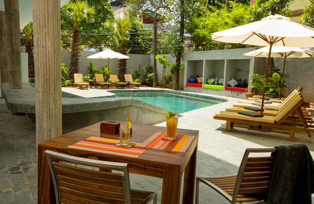 Piscina do Rambutan Resort, que é LGBT-friendly, em Phnom Pehn, capital do Camboja - Foto: Divulgação