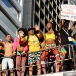 A Parada LGBT 2017 também trouxe cartazes e discursos políticos a favor da comunidade LGBT