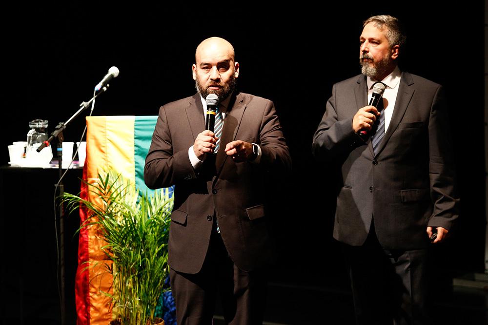 Gustavo Noguera e Pablo De Luca, da CCGLAR, na 1ª Conferência Internacional da Diversidade e Turismo LGBT - Foto: Ricardo Cardoso