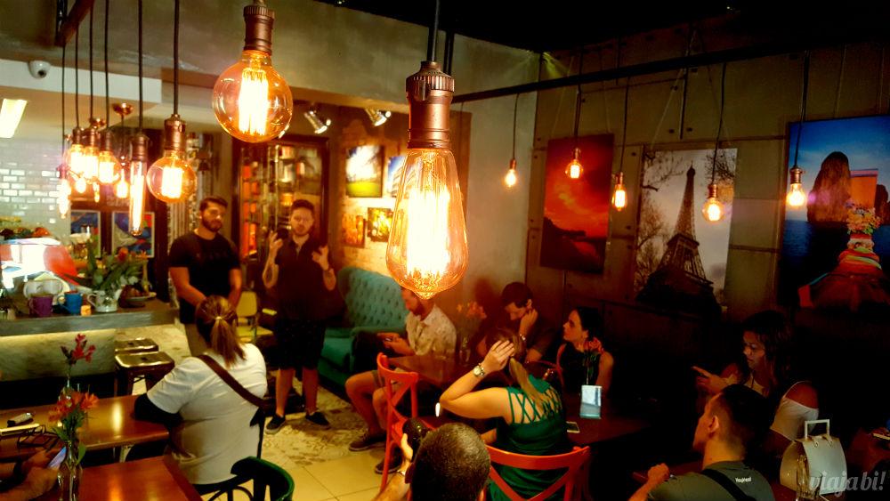 Diogo Fernandes e Robson Franzoi, donos do Café do Viajante, o melhor café em Curitiba