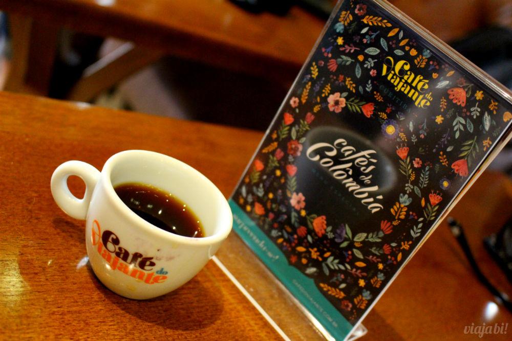 Xícara personalizada no Café do Viajante, o melhor café em Curitiba