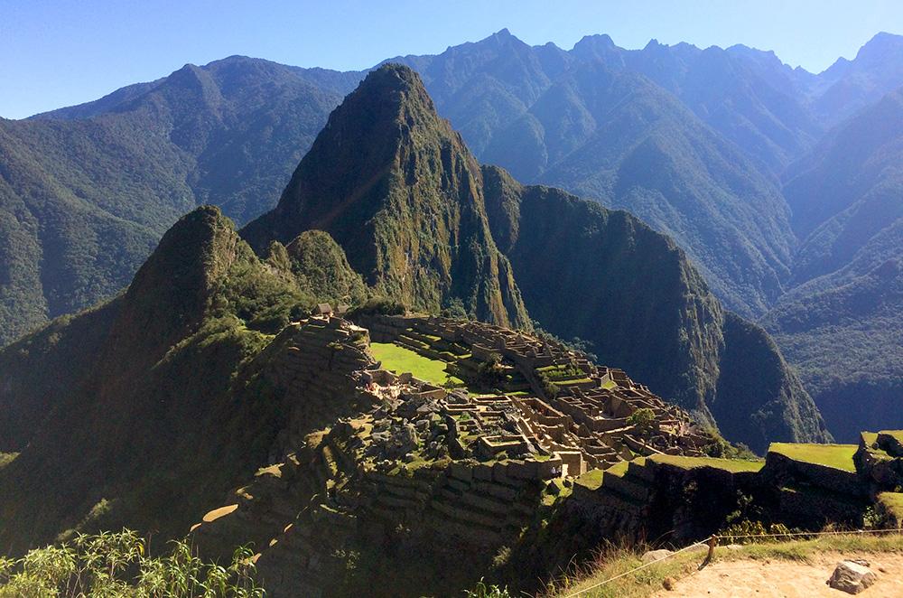 Como chegar a Machu Picchu: A majestosa Machu Picchu vista de cima - Foto: Jeff Slaid