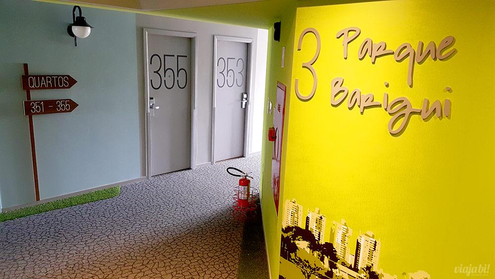 O 3º andar, o meu, era tematizado com o Parque Barigui no Ibis Styles Centro Cívico