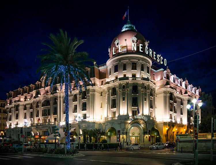 Melhores atrações e vida noturna gay na Riviera Francesa: Hotel Le Negresco, em Nice - Foto: Kurt Bauschardt/Flickr