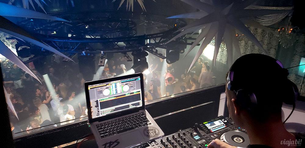 The Manor Complex da cabine do DJ